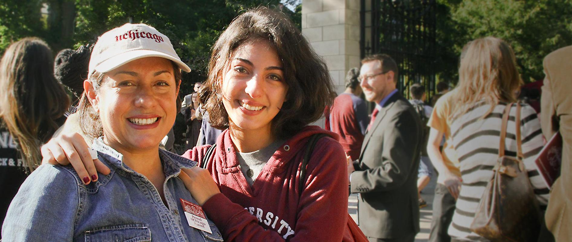 Two female Uchicago students